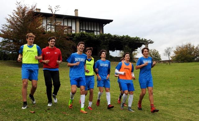 Gaztelueta: entrenamiento equipo Juvenil de fútbol 2017/18