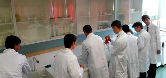 Gaztelueta: análisis de muestras en laboratorio