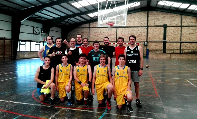 Gaztelueta Junior de Basket vs padres