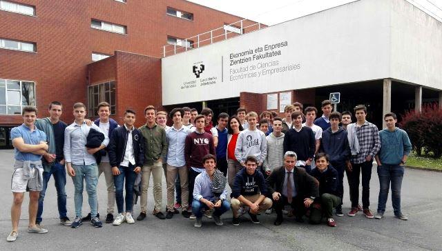 Gaztelueta: visita de estudios Facultad de Economía y Empresa UPV/EHU (Sarriko)