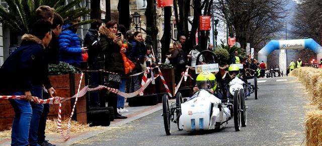 Escudería Gaztelueta en la carrera coches eléctricos Gran Vía de Bilbao
