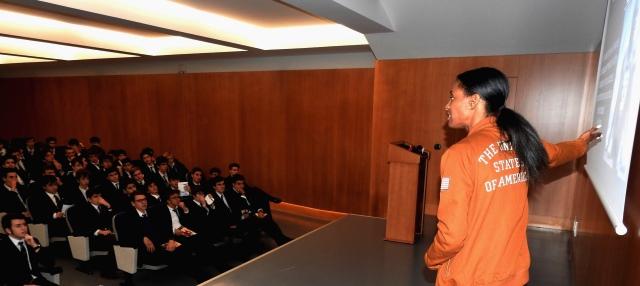 Gaztelueta: la medallista Olímpica DeeDee Trotter (EE.UU) compartió su experiencia con los alumnos